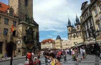 プラハ時計塔前広場