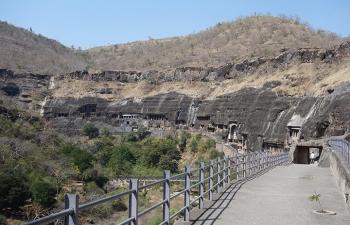 アジャンタ石窟全景