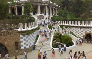 グエル公園階段俯瞰