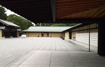 1.玄関前庭